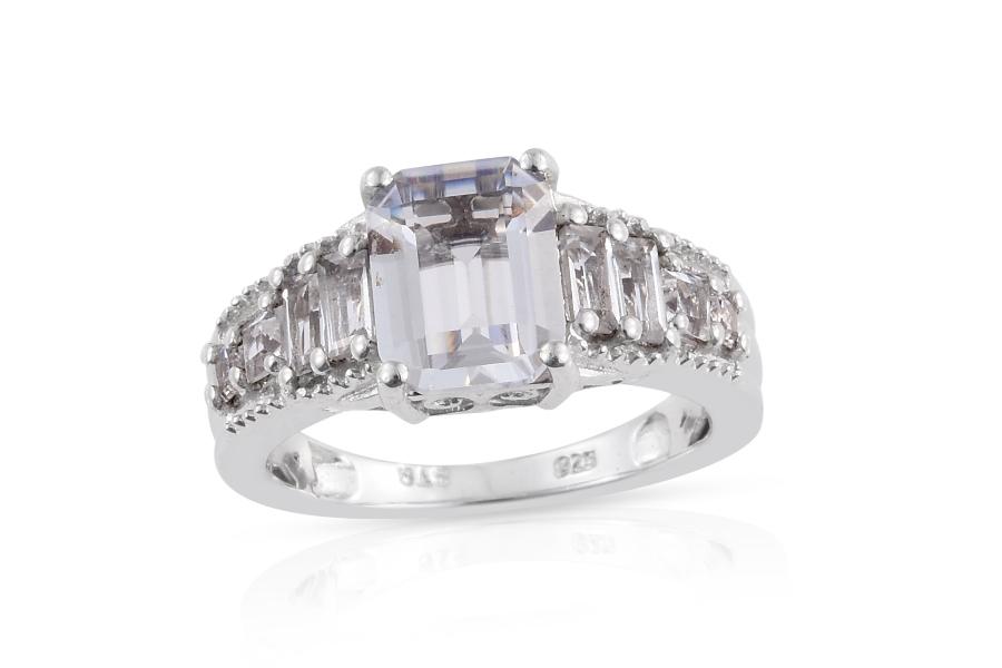 Petalite Gemstone Meaning Properties Amp Jewelry