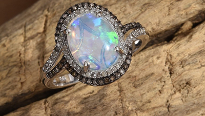 Opal stone ring.